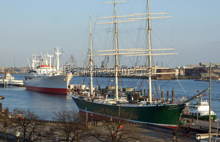 porto museu hamburgo landungsbruecken portas elba