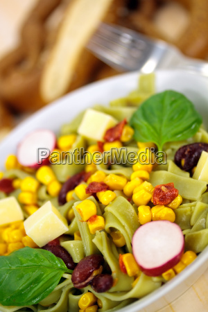 fideos vegetal maiz ensalada quotspinat nudelnquot