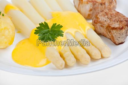 caucasico salsa vegetal esparragos filete carne