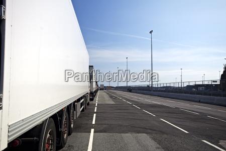 trafico puerto estacionamiento transporte puertos ir