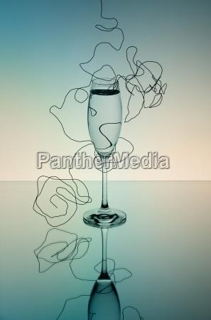 reflexion champan copa de champan vidrioso