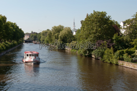 arvore caucasiano canal hamburgo torre de